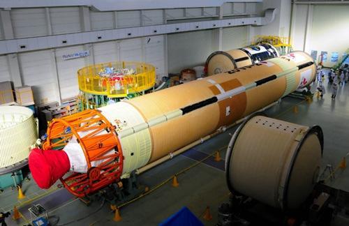 日本将联合8国发射50颗卫星 建太空监测网