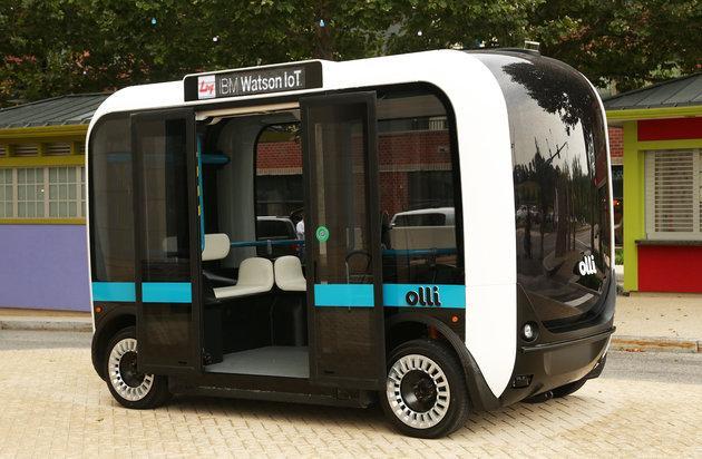 """这辆未来公交车由超级电脑""""沃特森""""指挥"""