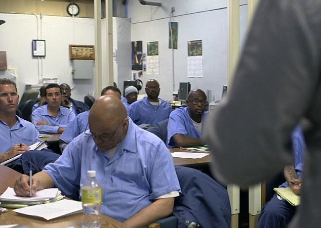 监狱开编程课:他出狱后就当上了程序员