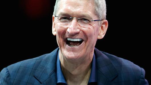 苹果CEO库克再次拍卖与其共进午餐机会