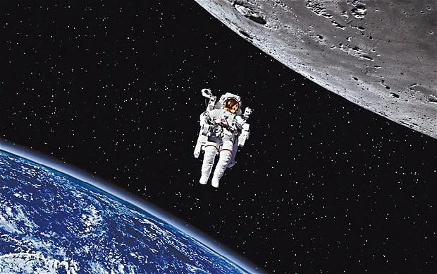 这些在社交网络上爆火的图片是他从外太空发来的