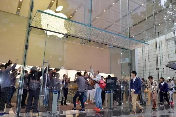 iPhone 销量到底有多惊人?平均一天卖出63万部!