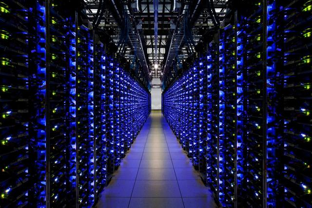 智能平台大战:苹果PK谷歌