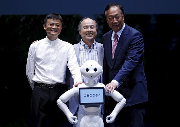 马云:机器人会成为家庭一员