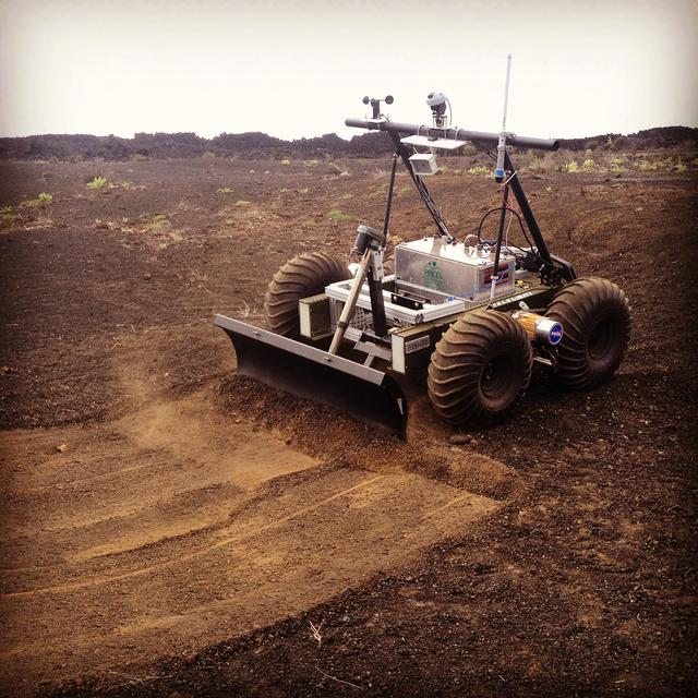 美国宇航局用遥控机器人建造火箭发射-着陆台