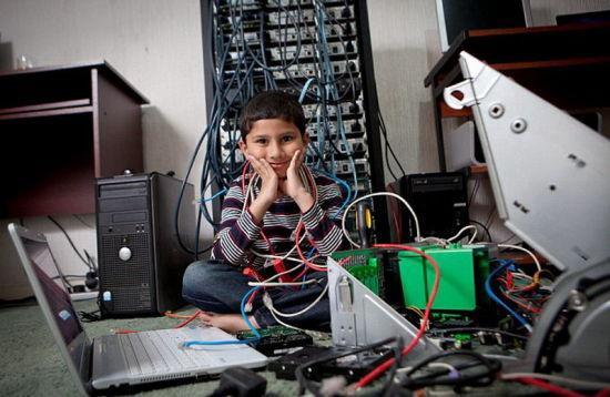 英5岁神童通过微软考试 成世界最小计算机专家