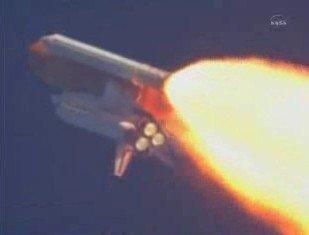 """快讯:美国""""发现号""""航天飞机发射升空"""