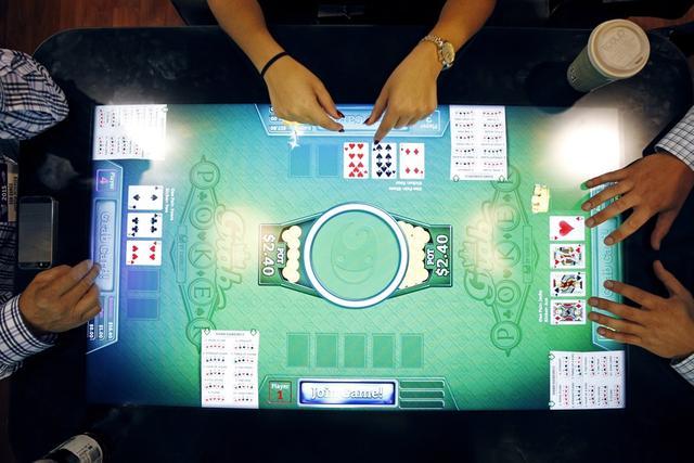 """怎样开发""""逢赌必赢""""的德州扑克机器人?"""