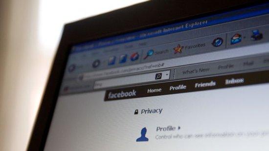 Facebook新政策禁止雇主查看求职者隐私信息