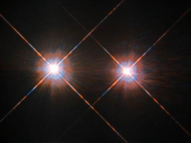 哈勃太空望远镜最新拍摄4.35光年外的半人马阿尔法AB星