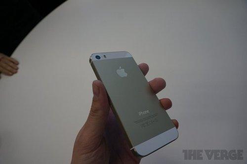 iPhone 5s上手:home键手感很棒