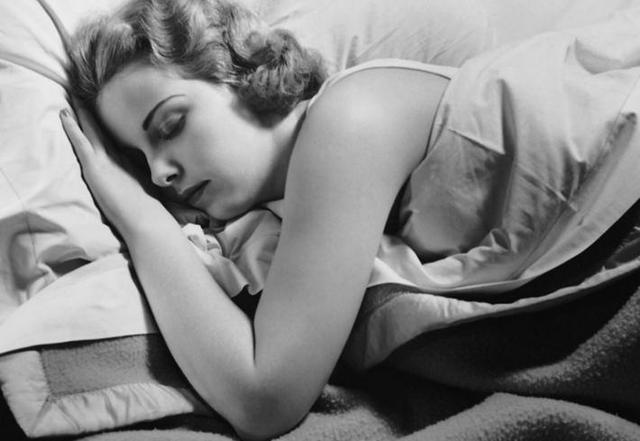 睡眠不足有风险 肥胖和糖尿病会趁虚而入