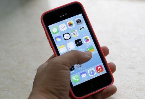 74名电信诈骗嫌犯从马来西亚押解回国