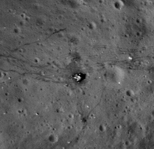 美科学家称外星文明可能在月球表面留下遗迹