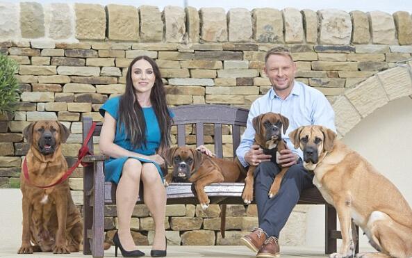 英国一对夫妇花费68万克隆已经去世爱犬