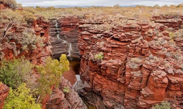地球上一半的铁来自远古微生物新陈代谢产物