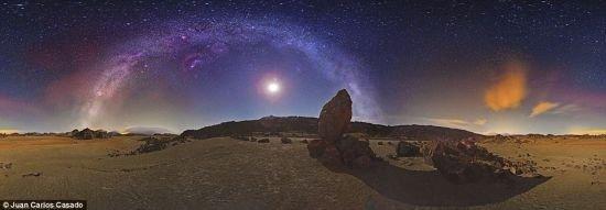 天文爱好者拍摄夜空照片 制成壮观银河全景图