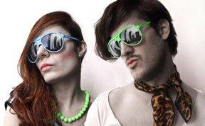 著名摄影师打造风格迥异的夫妻相