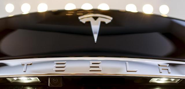 松下宣布向特斯拉美国太阳能电池工厂投资2.56亿美元