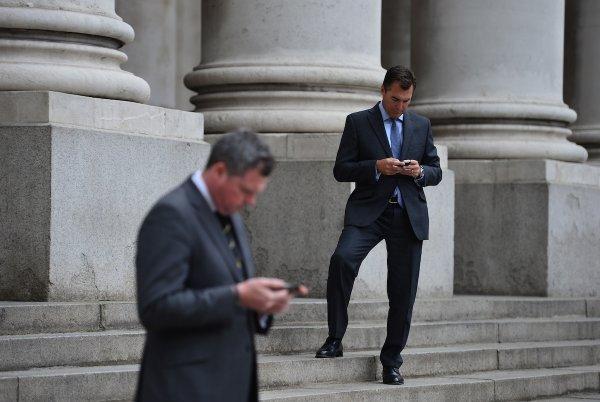 """小心街头Wi-Fi!它会让你的手机变""""砖头"""""""