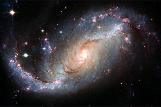 科学家发现快速射电爆发或隐藏暗物质线索