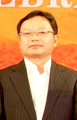 比亚迪创始人杨龙忠辞职 分析称是瓦解征兆