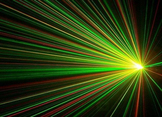 科学家利用水母荧光蛋白制造出一种新激光