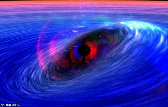 研究发现邻近黑洞活动可通过可见光观测