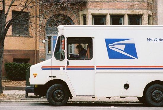 美国邮政濒临死亡!亚马逊会否扮演末日救星?