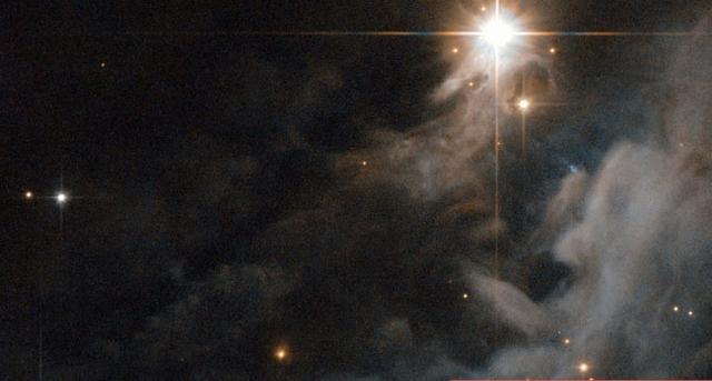 天文学家在银河系星云中发现生命分子
