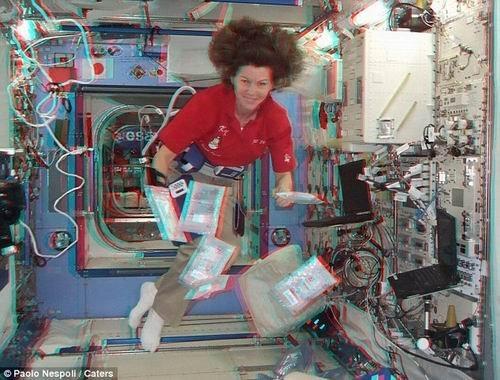 意宇航员从国际当空站初次拍摄高空3D相片
