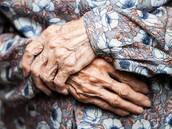 研究人员称:人类老化速度或取决于母体遗传