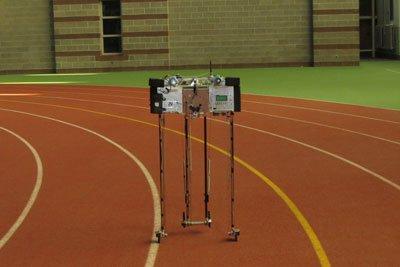 美新型机器人11小时行走23公里 刷新世界纪录