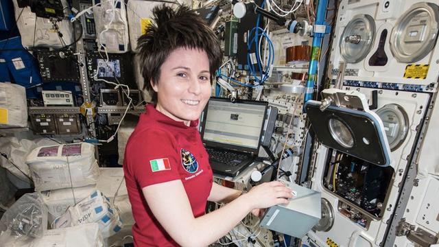 """在太空上网的感觉:网速""""比拨号上网还慢"""""""