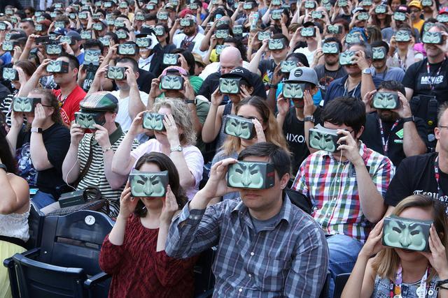VR很火,但好莱坞对它不感冒