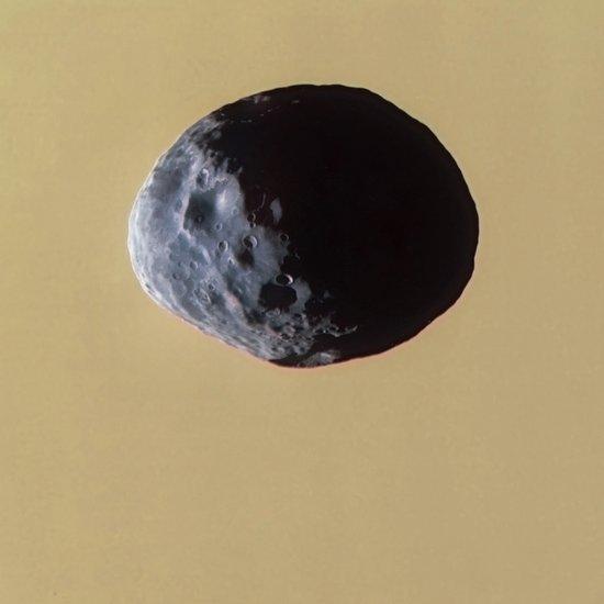 """卡西尼探测器拍摄土卫十""""沙质面孔""""特写"""