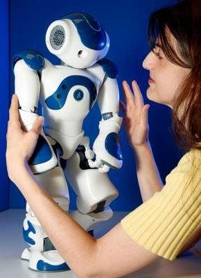 科学家研制出首个具备人类情绪的机器人(图)