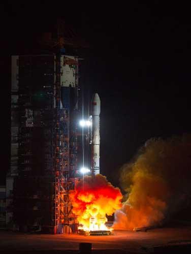 中国成功发射白俄罗斯通信卫星一号