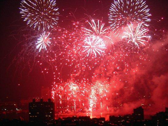五律    爆竹迎新年 - 太平洋 - 淡爱如烟的太平洋
