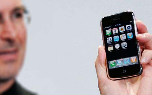 iPhone今天已经整整八岁了 生日快乐!