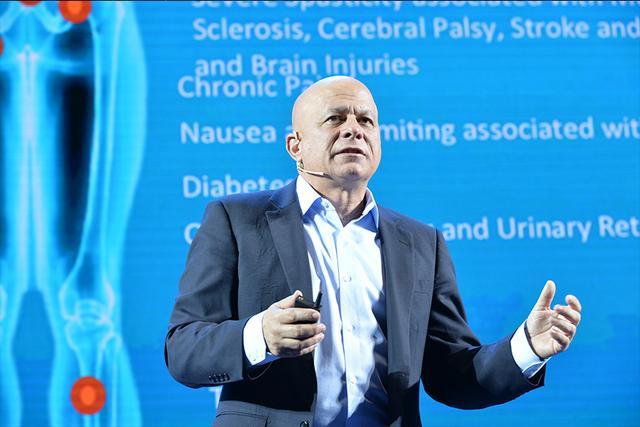 瑞博医疗器械CEO:人工虹膜帮助百万盲人复明