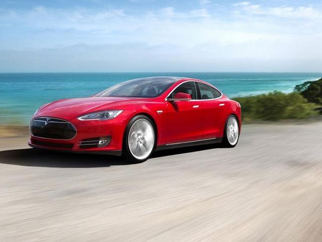 特斯拉新款Model S起步速度秒杀旧款媲美赛车