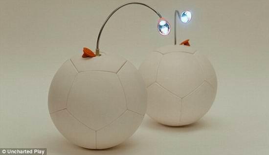 """美国发明""""发电足球"""" 踢半小时可照明3小时"""