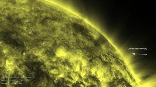 """首次拍摄""""死亡彗星""""碰撞太阳毁灭全程(图)"""