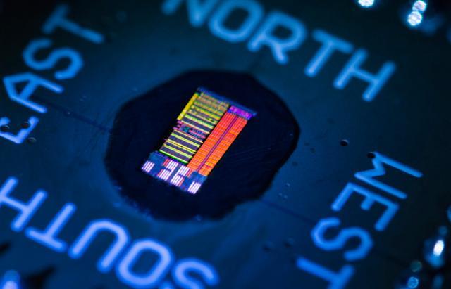 美研发出光子芯片,数据传输速度暴涨至300Gbps