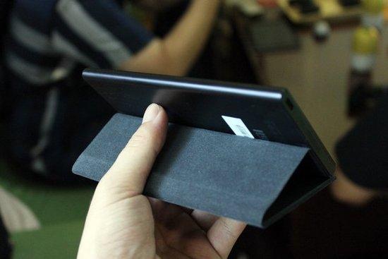 小米3试用 配置顶级外观中庸皮套略低端