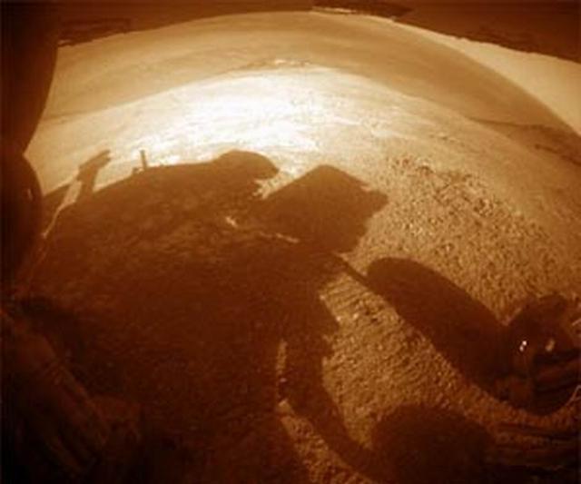 """美国""""机遇号""""火星车着陆火星十三周年"""