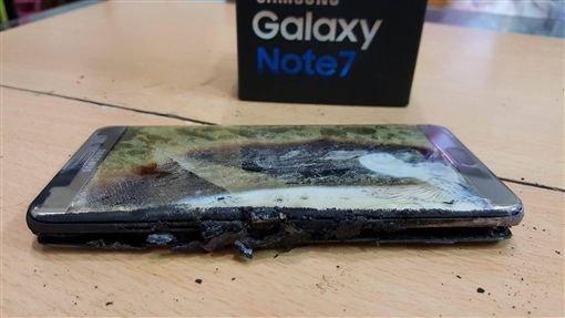 """三星手机""""爆炸"""",引国内外各大手机厂商虎视眈眈"""