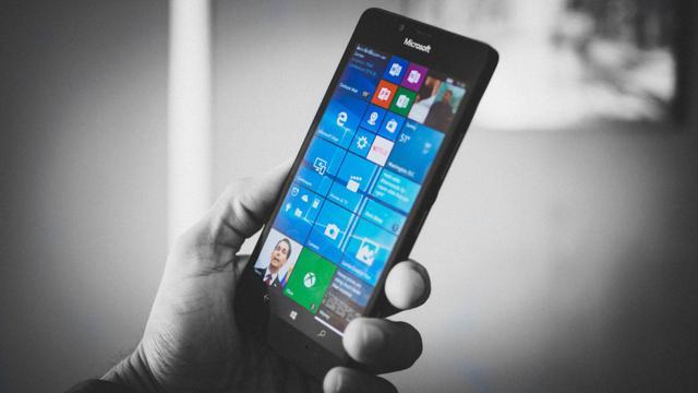 """微软CEO证实不退出手机 不跟随主流要做""""小而美"""""""