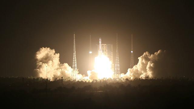 中国新一代运载火箭长征七号在海南文昌首飞成功